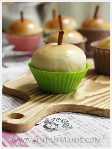 Nuttella Filling Apple Bun