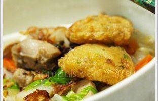 Mee Sup dan Pegedil Ayam
